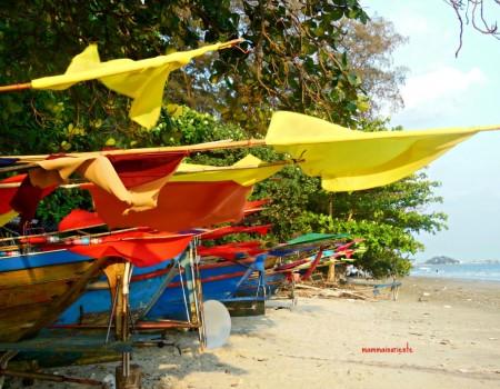 Tramonto alla spiaggia dei pescatori in Rayong