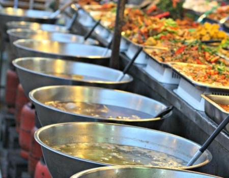 """Il """"Thepprasit Night Market"""" di Pattaya ed un pizzico di Portogallo"""