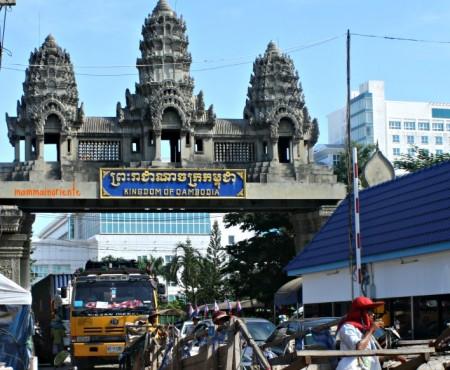 La Cambogia che ti entra dentro in 24 ore: la frontiera