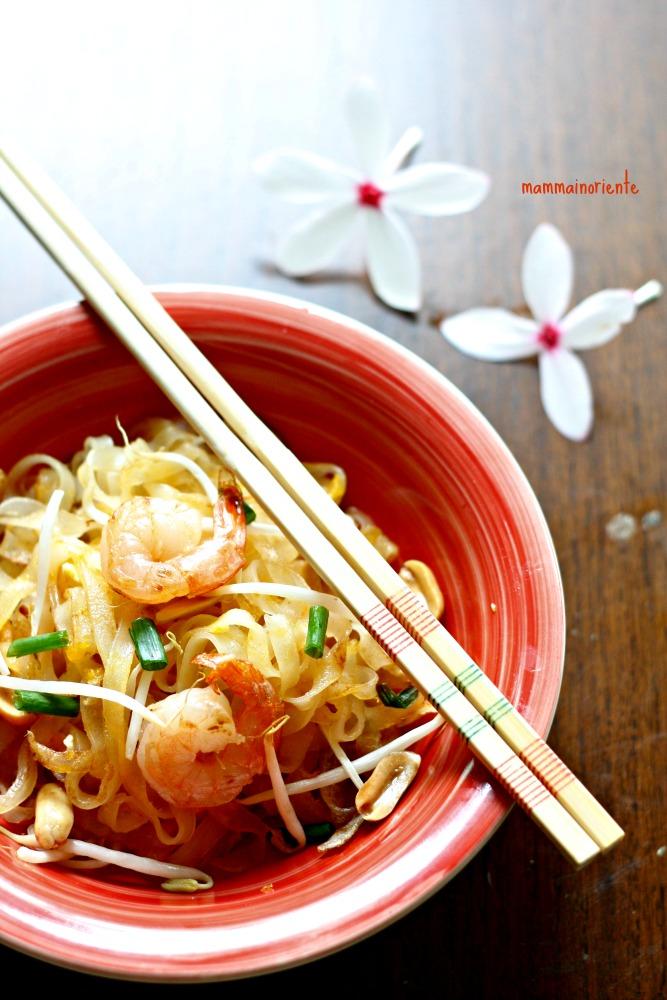Noodles saltati con i gamberi