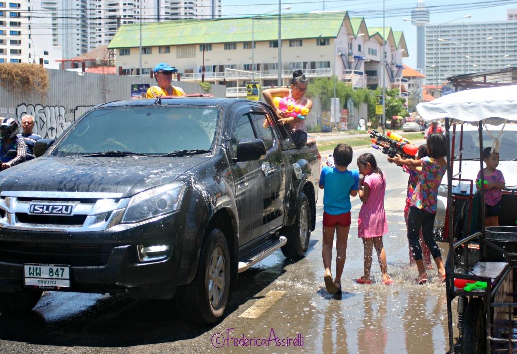 Battaglia d'acqua Songkran