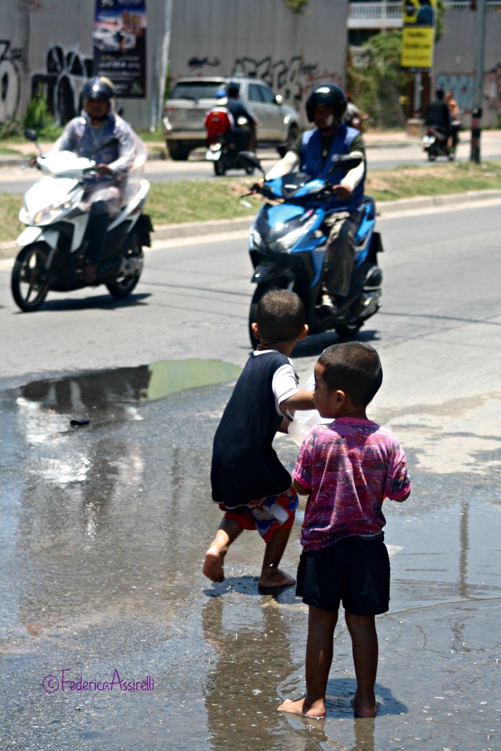 Lancio d'acqua al Songkran