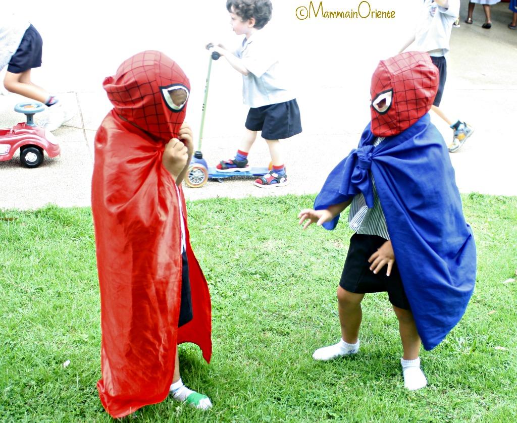 Lotta finta tra supereroi