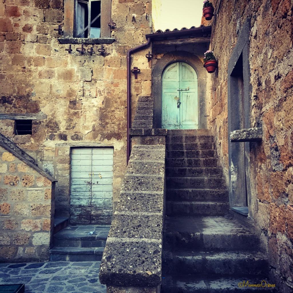 Case a Civita di Bagnoregio