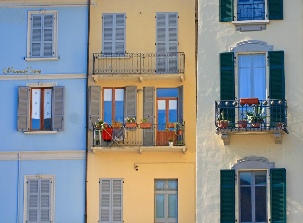Facciate delle case al Lago di Como