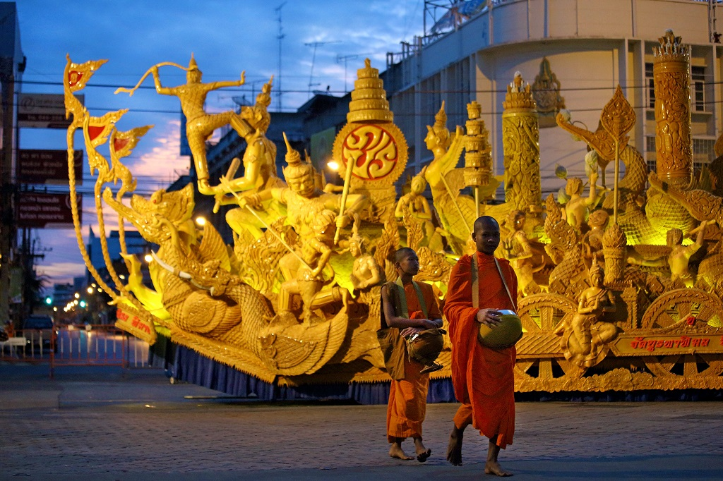 Buddhist Lent Day o Khao Phansa, il ritiro dei monaci